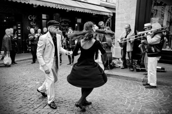 050331-paris-mouffetard-danse-et-concert-de-jazz